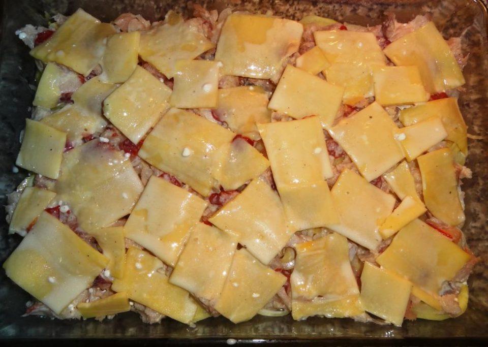 Запеканка с рыбой картофелем и сыром